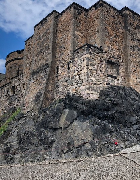 Edinburgh Castle, Cannons and The Cannonball
