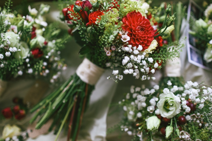 Why it's best to buy flowers from a florist